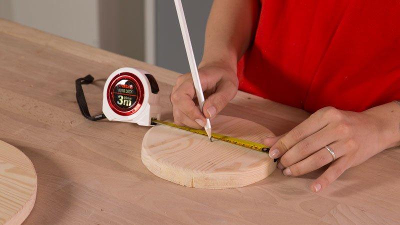 Medir el centro de la circunferencia con el flexómetro