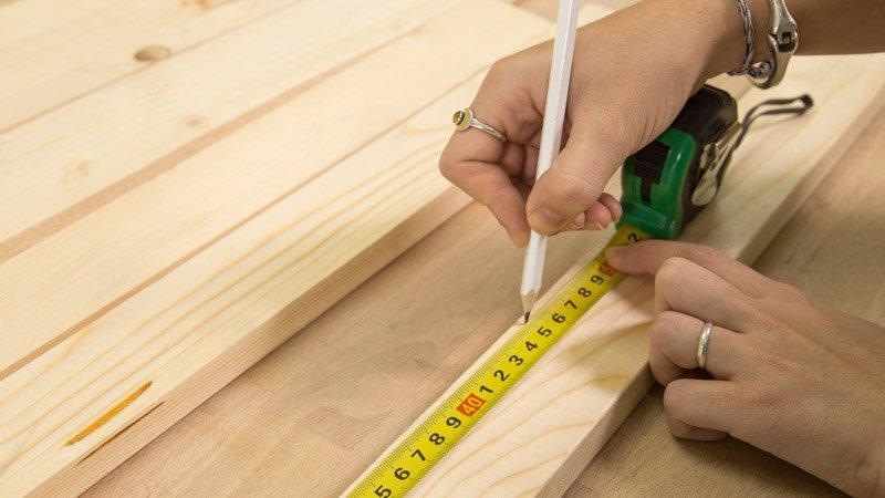 Lápiz para marcar la longitud de los listones del cuadro decorativo