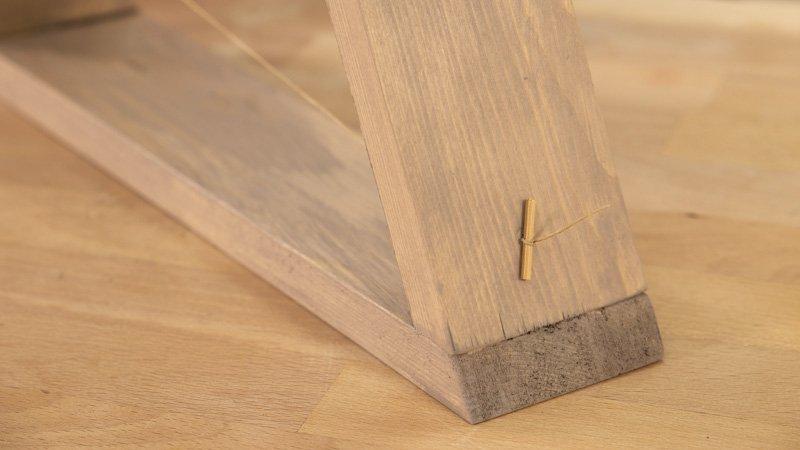 Truco para poner el hilo por la madera sin que se escape