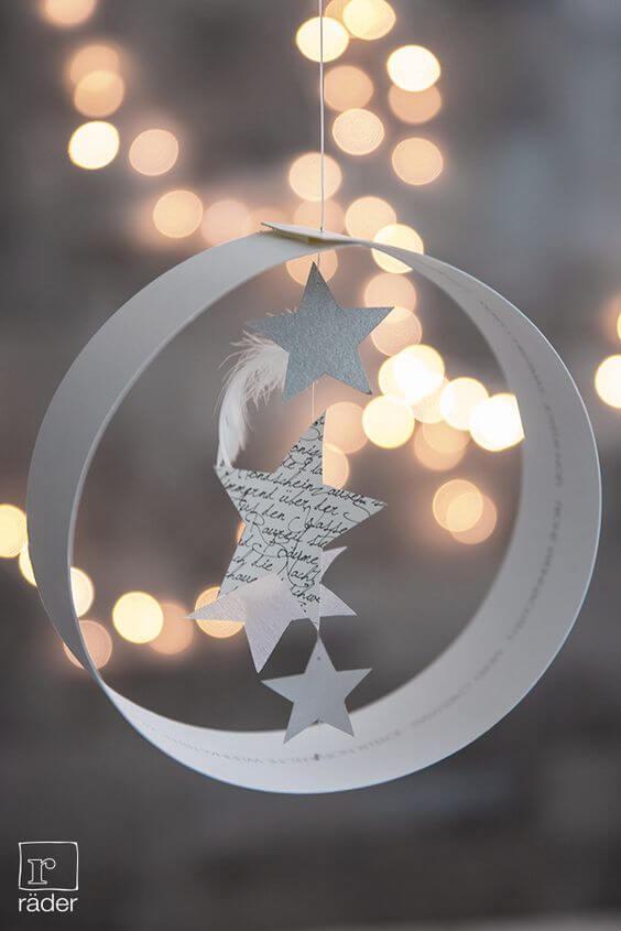 Decoración navideña casera con papel para colgar