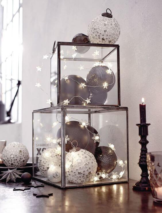 Decoración navideña casera con bolas de porex decoradas