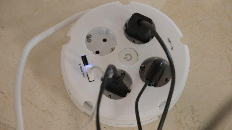 Regleta circular con conexiones USB