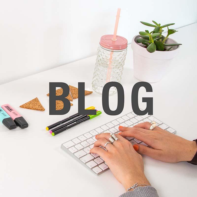 Blogs Handfie