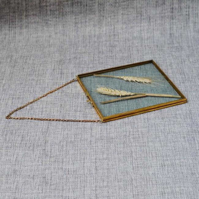Marco vintage de latón y vidrio