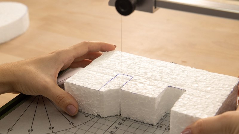 Medir las piezas de las letras de porexpán