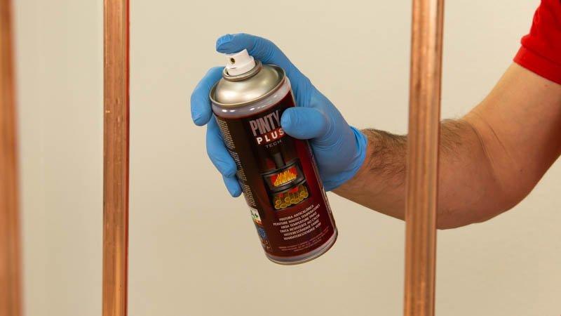Pintar el cobre con pintura en spray