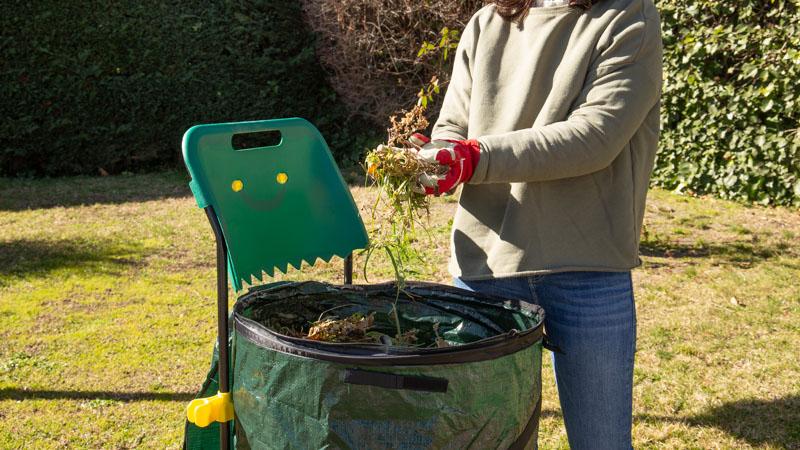 Residuos al carrito para compostador