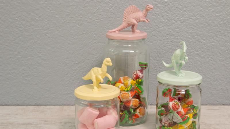 Tarros de cristal decorados con dinosaurios