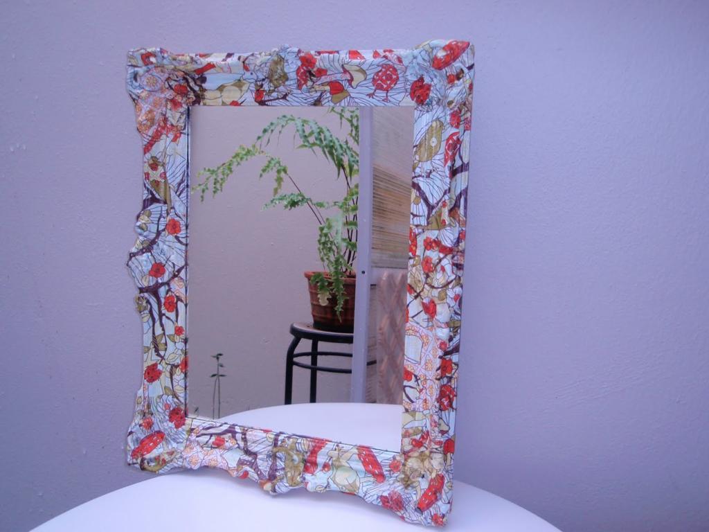 Espejo de madera con decoupage