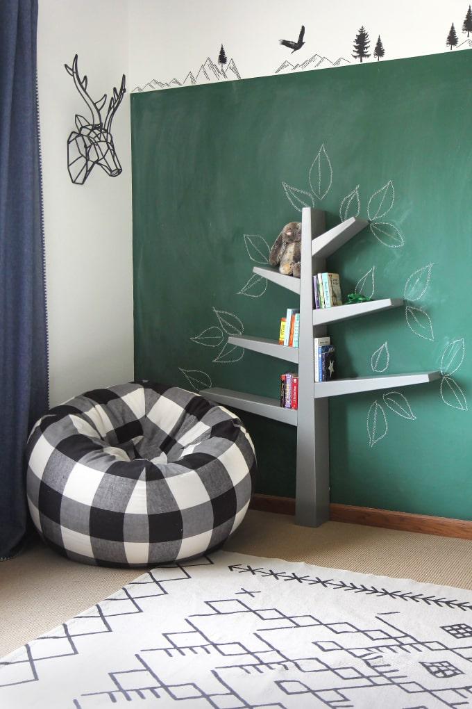 Estantería para habitaciones de niños en forma de árbol