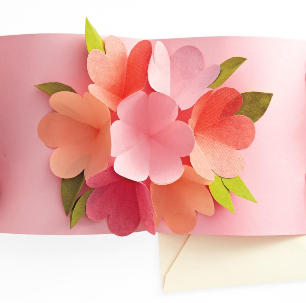 Tarjeta con flores en pop up