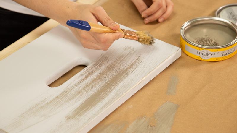 Aplicar pátina plateada