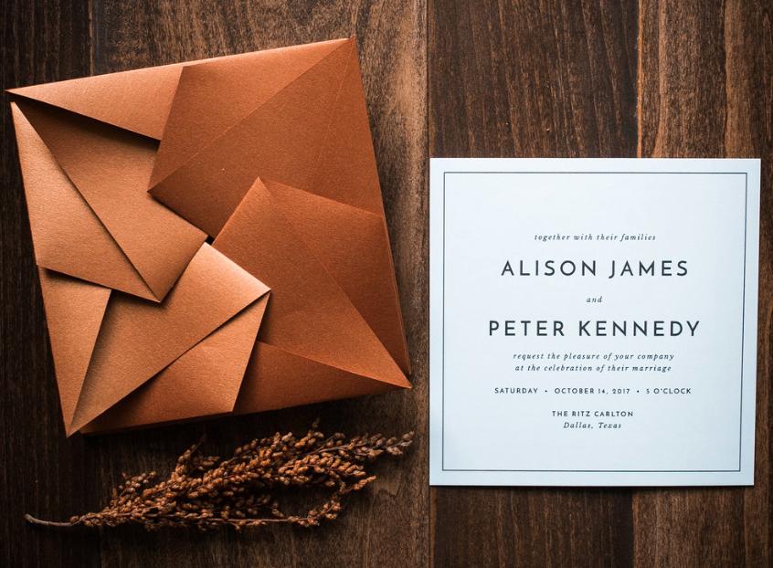 Invitaciones de boda usando la papiroflexia