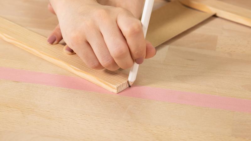 Marcar con lápiz donde los listones se unen