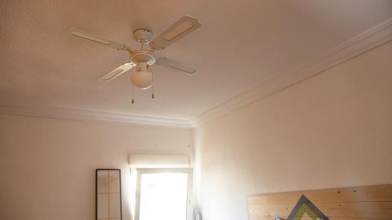Colocar un ventilador de techo