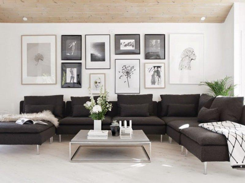 Decoración de paredes del salón con ilustraciones en forma de collage