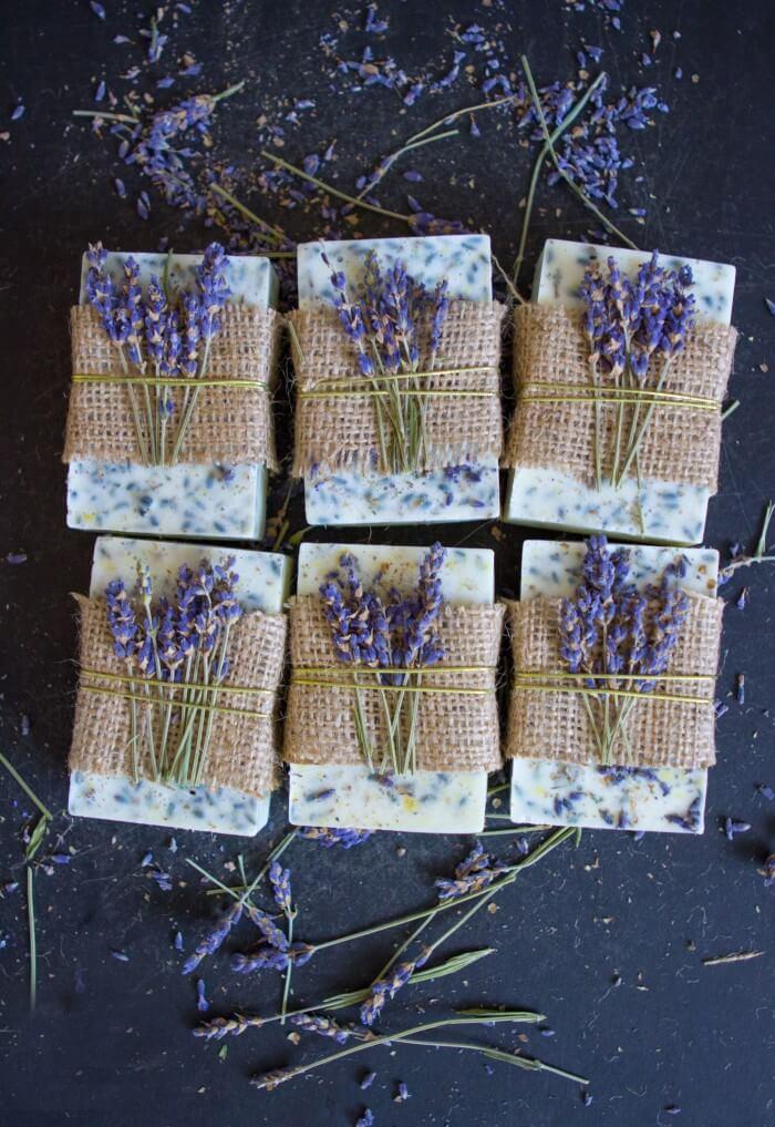 Jabones artesanales con lavanda