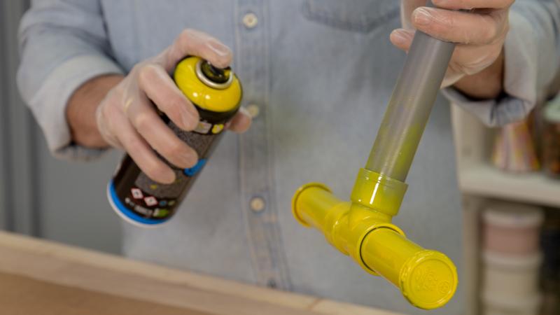Pintura en spray para decorar el manillar del balancín