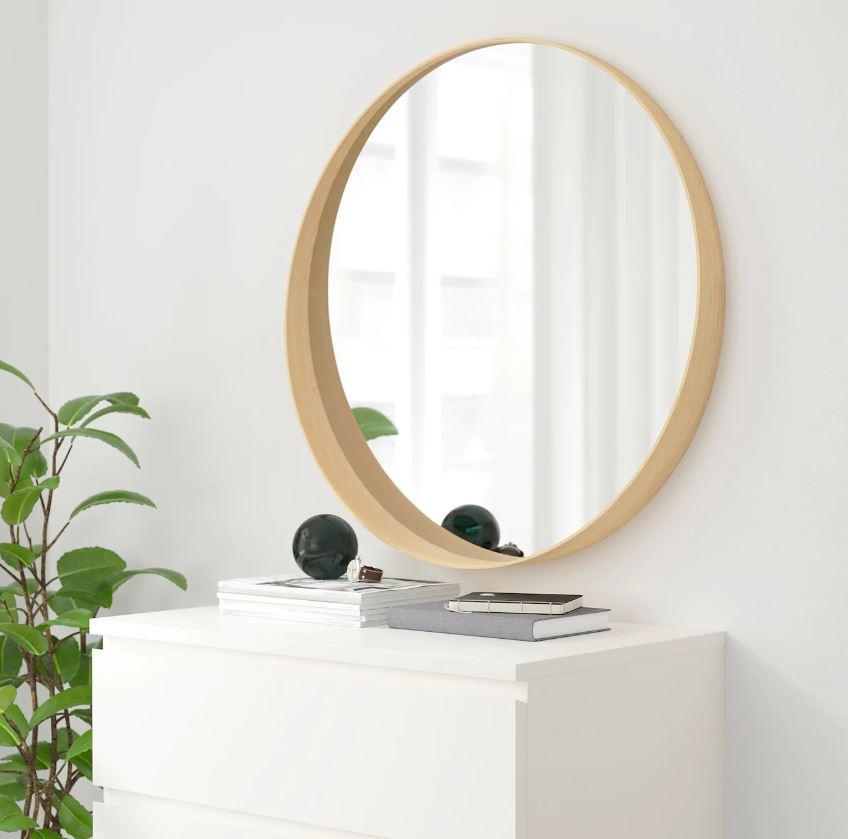 Espejo Stockholm de Ikea para decorar el recibidor
