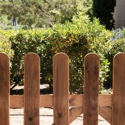 Cómo instalar una valla de madera para exterior