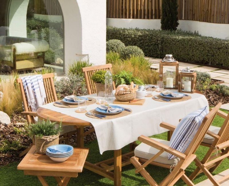 Muebles de exterior para el jardín de madera y plegables.