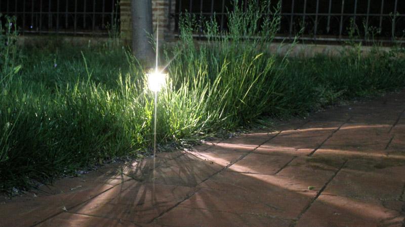 Luz solar Pulsar encendida