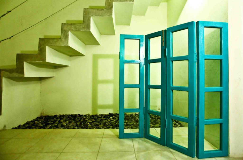 Biombo azul como ventana