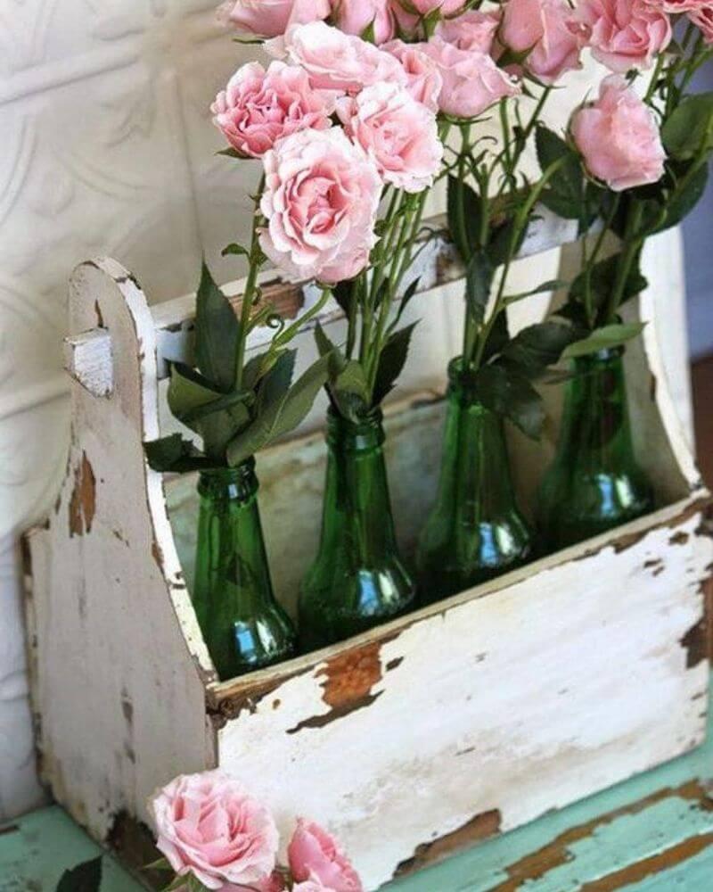 Jadinera de madera decorativa con efecto envejecido estilo botellero vintage