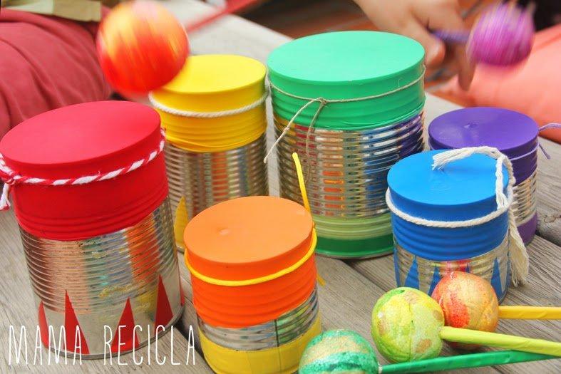 Tambores con latas