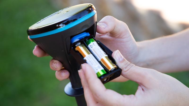 Carga de pilas en el Sensor Smart de Gardena