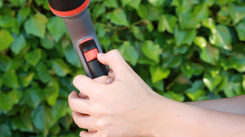 Botón de bloqueo de la pistola de limpieza Ecopulse de Gardena