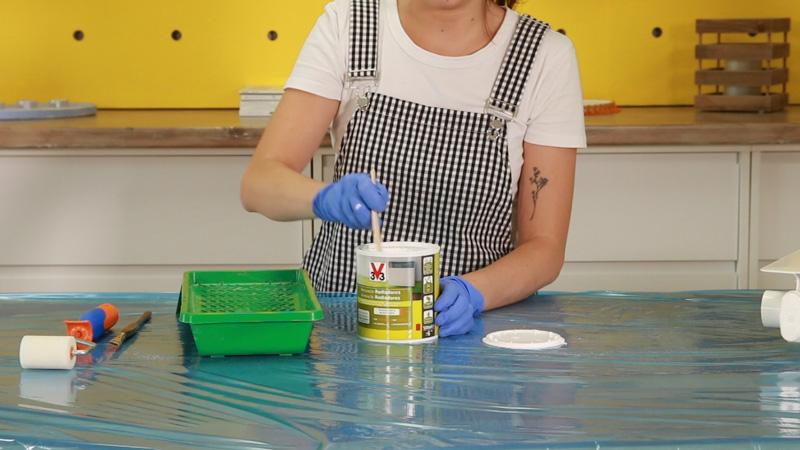 Mezcla la pintura antes de pintar