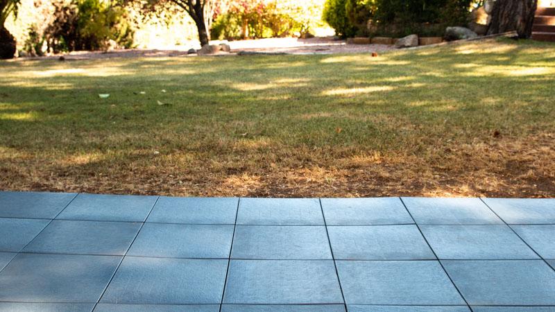 Instalacion-baldosas-clickfloor-jardin