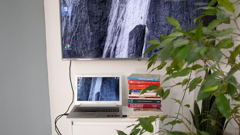 Conexion de un ordenador a una televisión con un cable HDMI