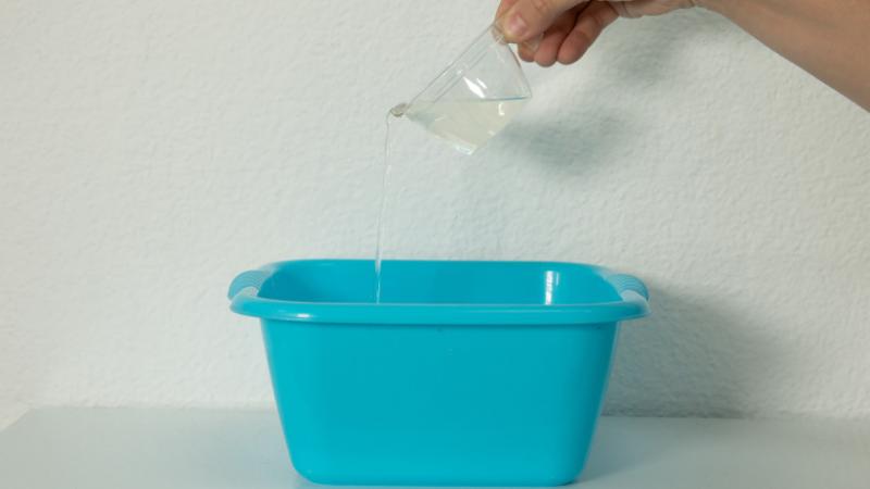 Disolución del Limpia Cemento en agua