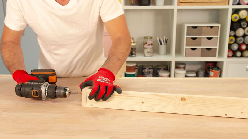 Atornillado de las piezas de madera