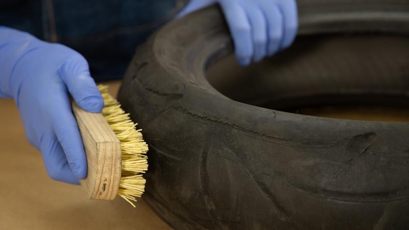 Cepillado y limpieza del neumático