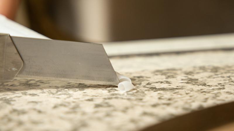 Apertura en diagonal de la cánula
