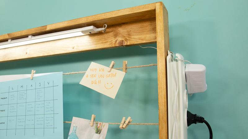 Mueble para colgar notas