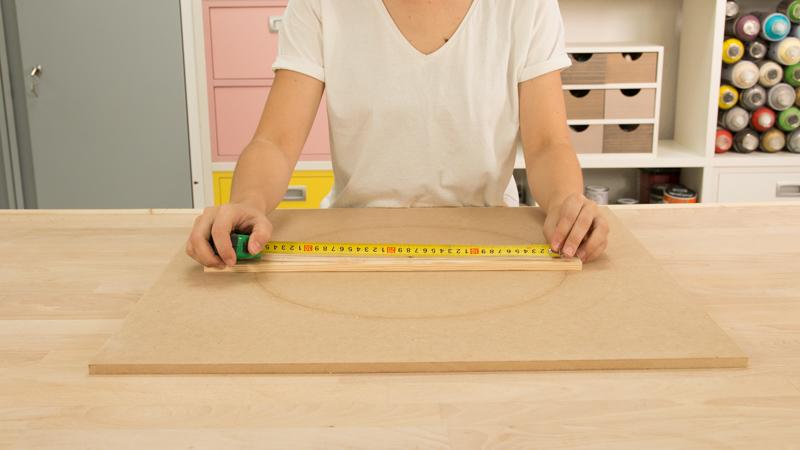 Medida del diámetro de la base circular del taburete