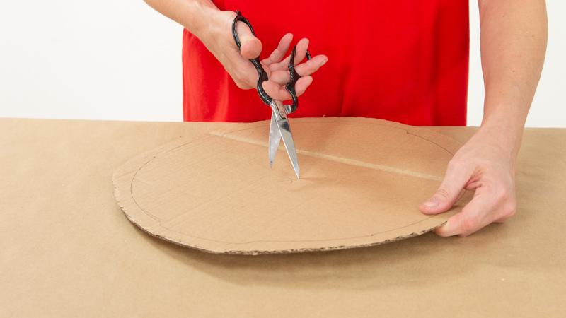 Creación de un trozo de cartón de las medidas del recipiente