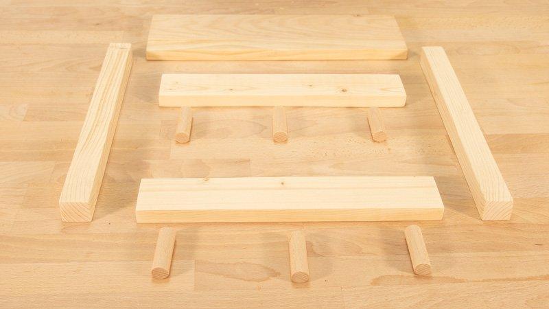 Todas las piezas de madera cortadas y lijadas
