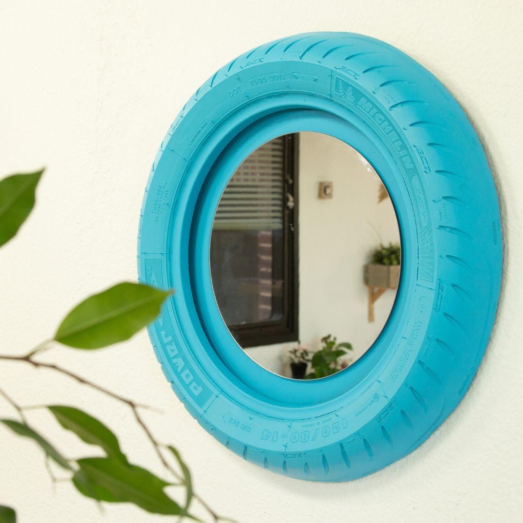 Cómo hacer un espejo con un neumático