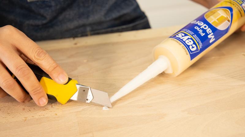 Apertura de la cánula del sellador de madera