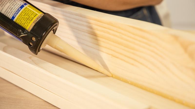 Aplicación del sellador de madera