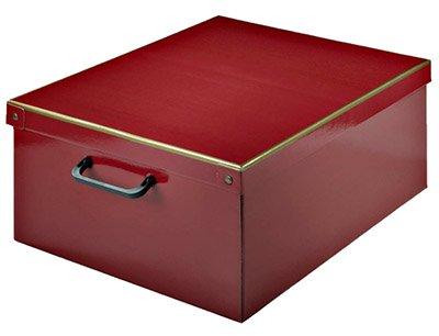 Caja de cartón roja con asa para guardar ropa