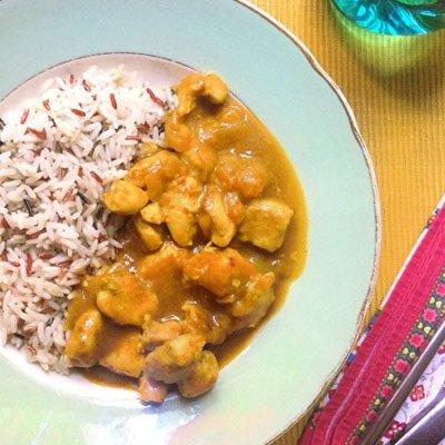 Cómo hacer pollo al curry con melocotón