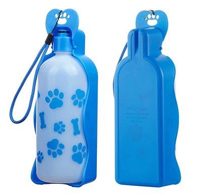 Botella para agua con bebedero portátil para mascotas de color azul con dibujos de huellas