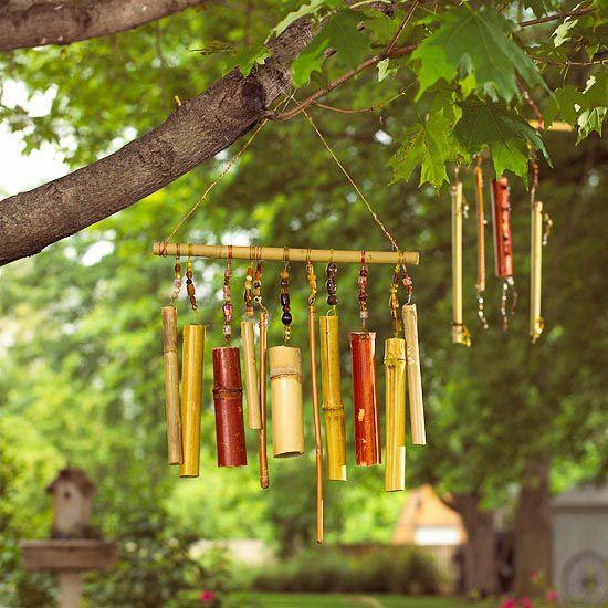 Campana de viento hecha con cañas de bambú