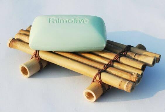 Manualidad para hacer una jabonera con bambú